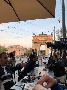 aperitivo all'aperto a milano arco della pace