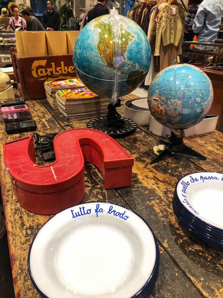 East Market Shop oggetti