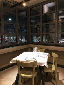 Ristorante Distreat a Milano: tavolo
