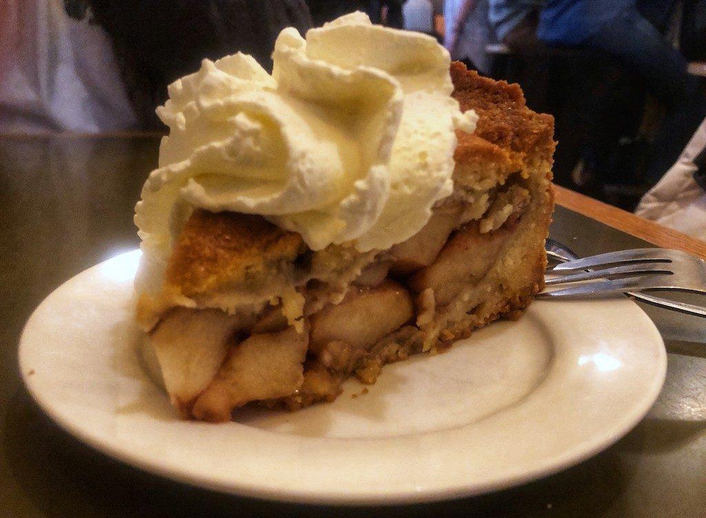 Dove mangiare ad Amsterdam: torta di mele