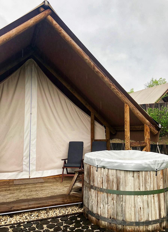 La tenda glamping del Garden Village a Bled