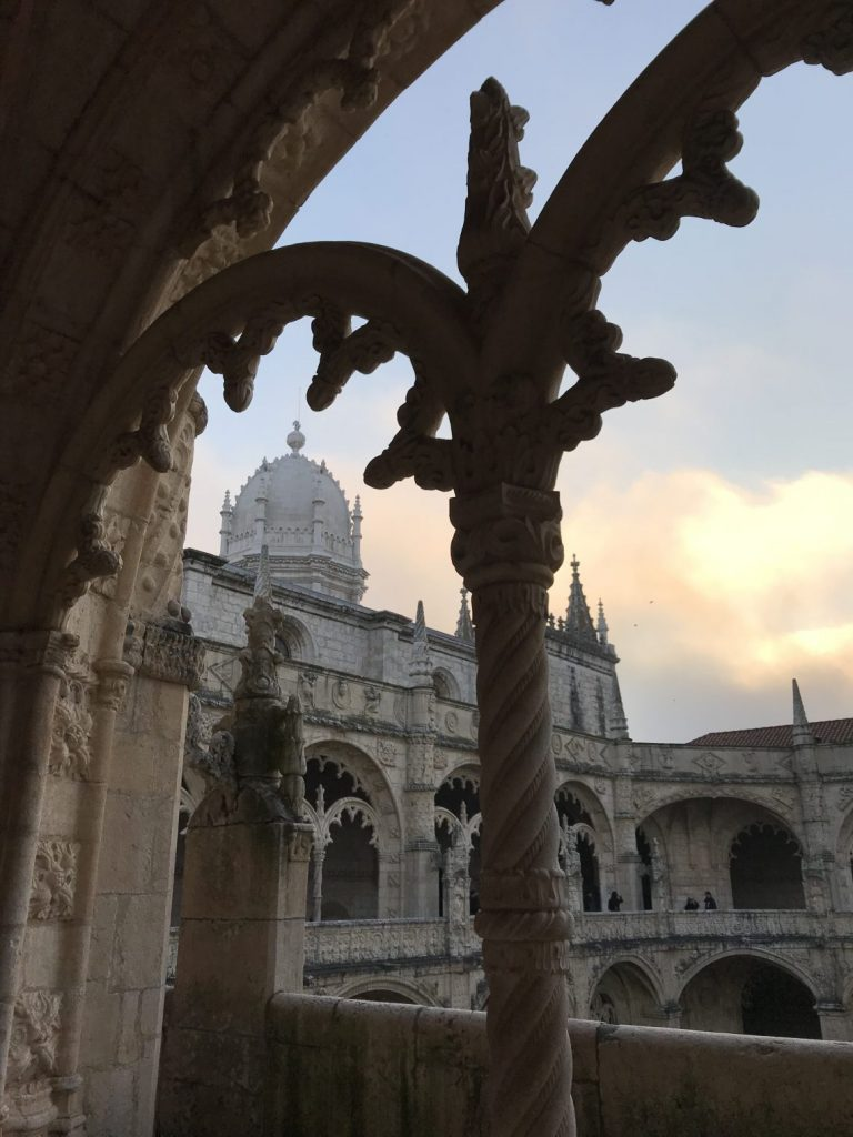 La veduta dal chiostro del Mosteiro dos Jerónimos