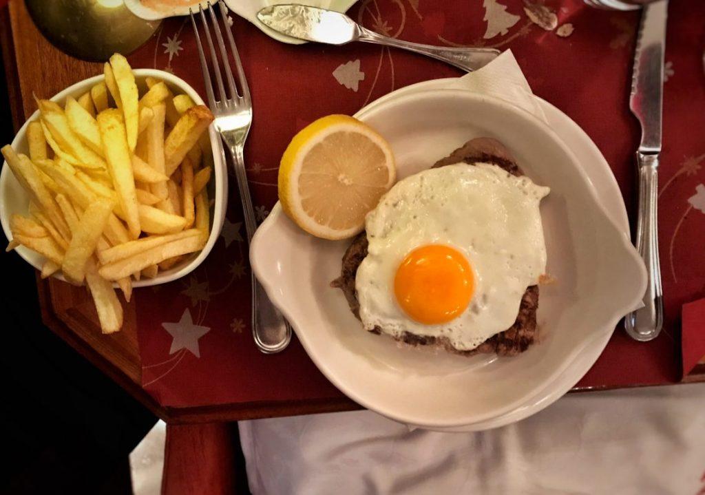 Il filetto con l'uovo di Café de São Bento