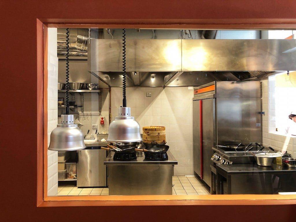 Wonton a Milano: cucina a vista
