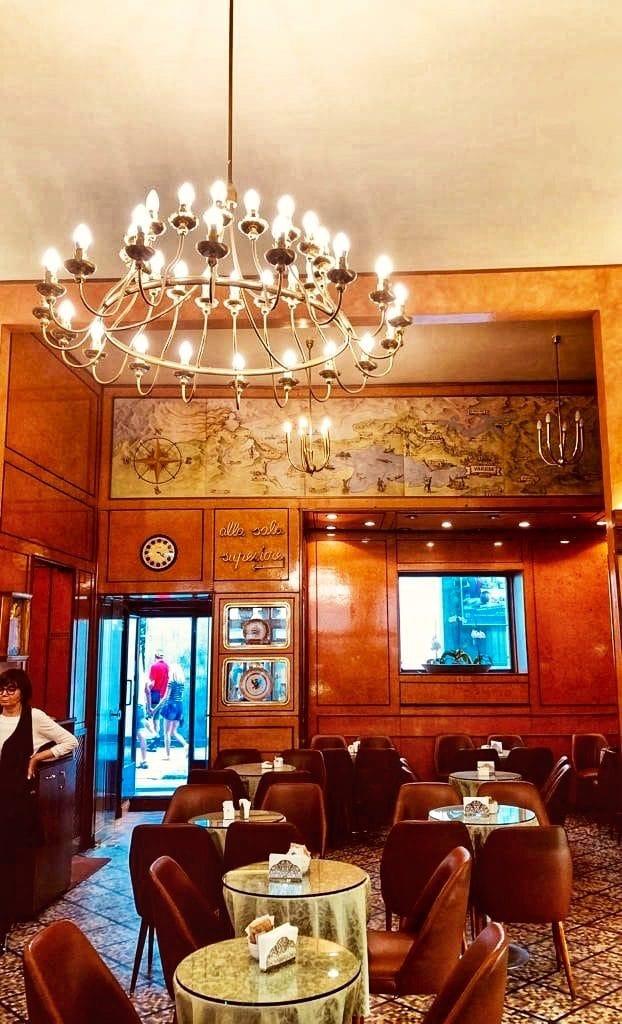 La storica pasticceria Zamberletti a Varese
