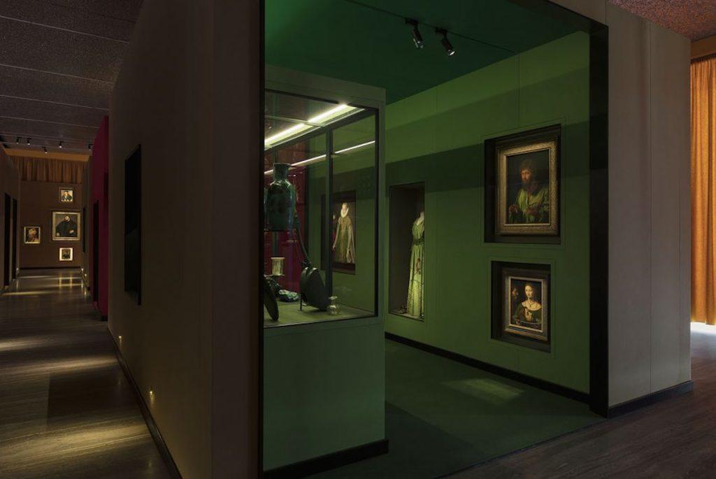 Mostre di ottobre a Milano: Wes Anderson / Juman Malouf: il sarcofago di Spitzmaus e altri tesori -