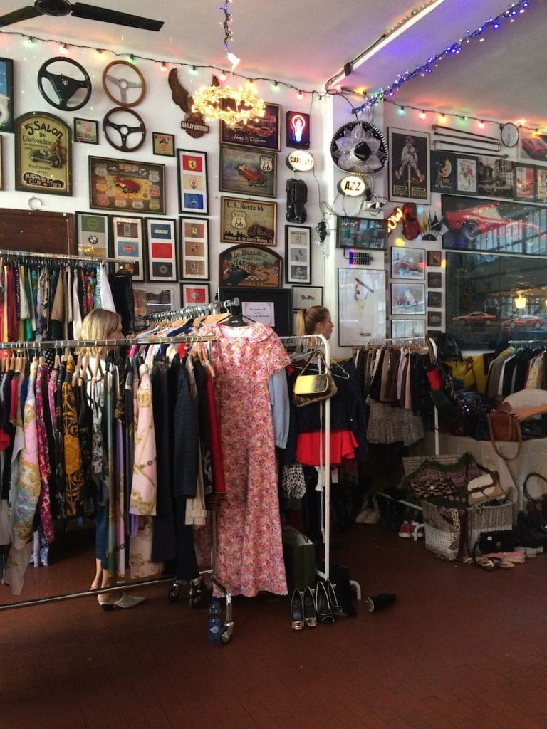 Chez Babette, Garage Sale