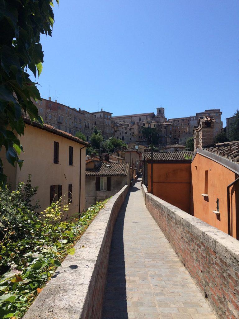 Umbria on the road: Perugia, Via dell'Acquedotto