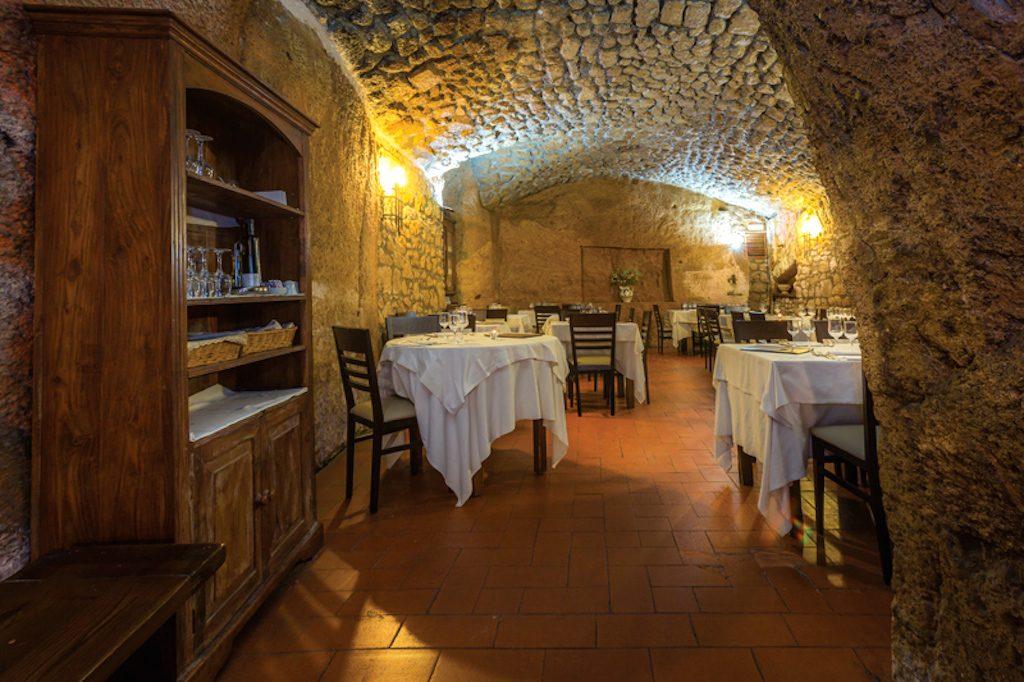 Umbria on the road: ristorante Grotte del Funaro, Orvieto