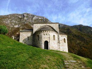 Abbazie in Lombardia: Abbazia di San Pietro al Monte