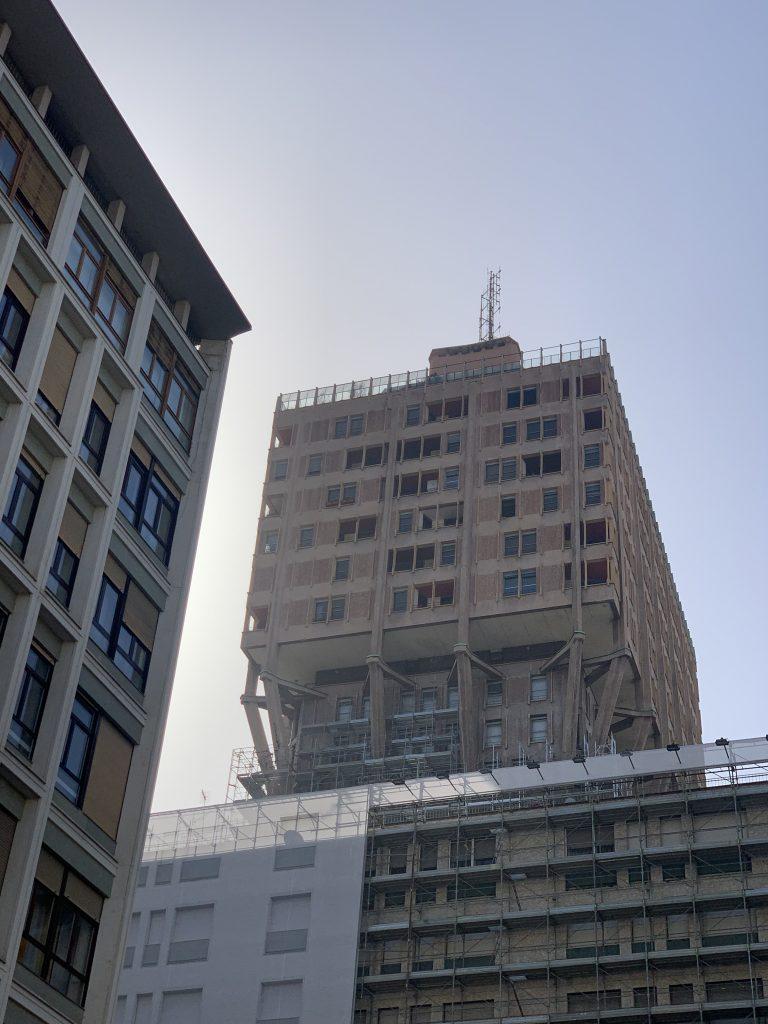 Milano a piedi: Torre Velasca