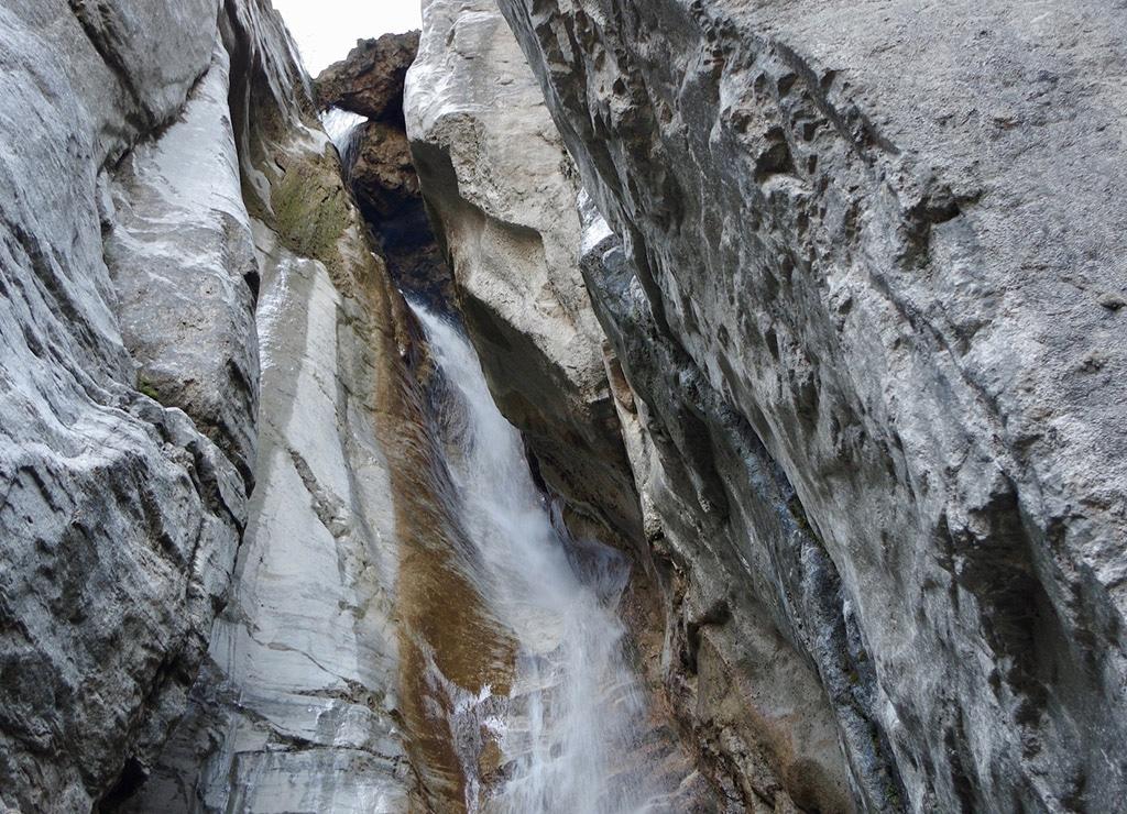 Passeggiate in montagna in Lombardia: Cascate del Cenghen