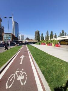 Milano in bici: Bosco Verticale