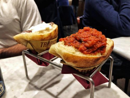 Trapizzino: un triangolo di pizza con le ricette della tradizione romana